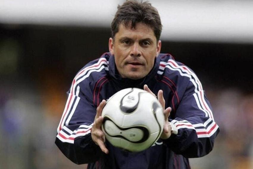 L'ancien gardien de l'AJA Bruno MARTINI décède à l'âge de 58 ans : une légende s'éteint, c'est triste à pleurer…