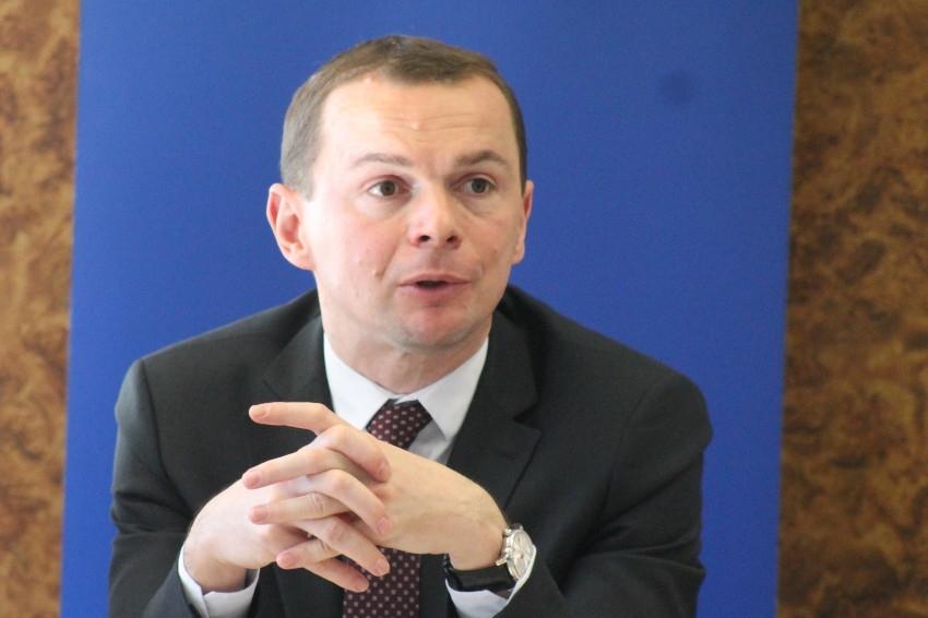 Le secrétaire d'Etat Olivier DUSSOPT réfute l'idée d'une gestion arithmétique et comptable de la fonction publique