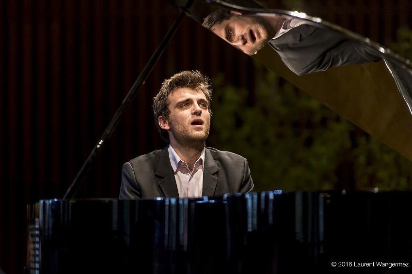 La promesse d'un inoubliable moment musical grâce au pianiste Guilhem FABRE…