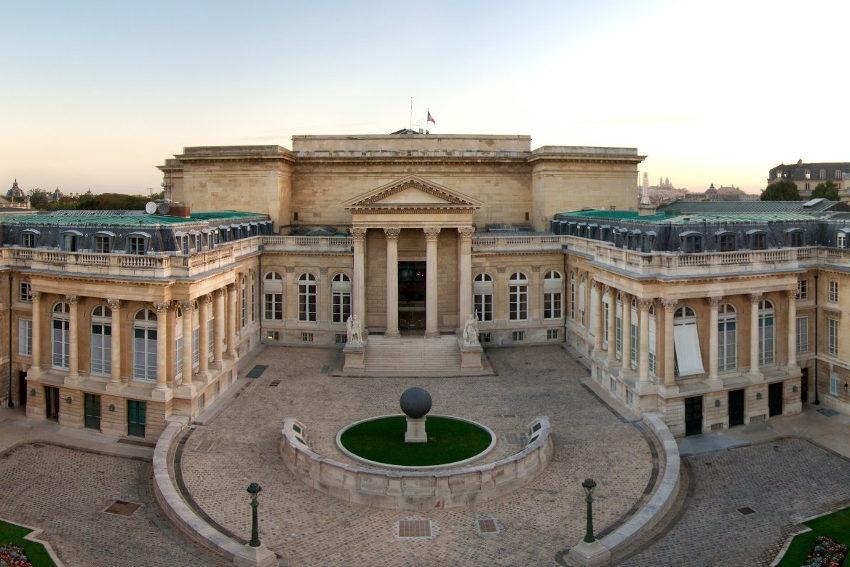 Les élus jouent les Cassandre à propos de l'avenir : sont-ils prêts à faire des sacrifices dans l'intérêt de la France ?