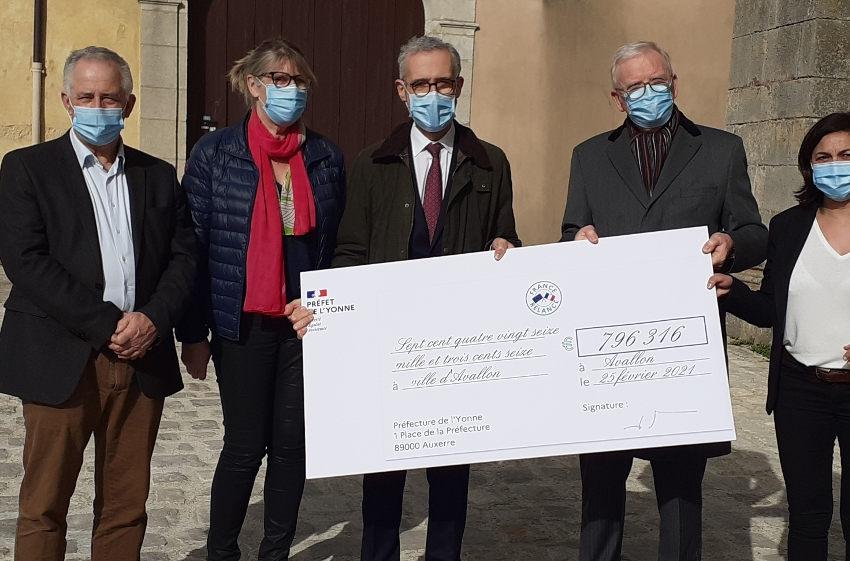 Mise en valeur du patrimoine : la collégiale Saint-Lazare profite des aides de l'Etat pour se refaire une beauté