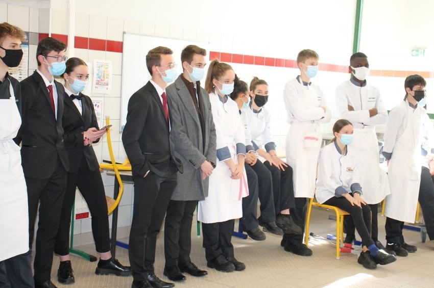Une Master class lui est consacrée à Vauban : l'agneau se dévoile façon puzzle aux élèves cuisiniers !