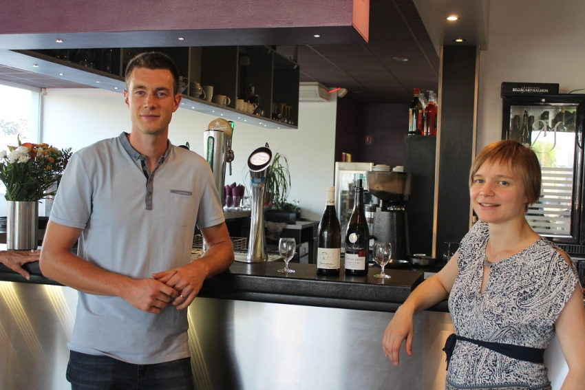 Le domaine Alain MATHIAS vante le potentiel viticole du terroir d'Epineuil auprès de la JCE d'Auxerre…