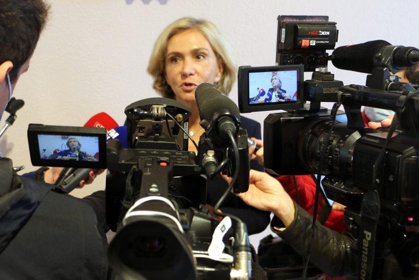 La semaine 41 à la loupe : une rock star dans l'Yonne face aux caméras ? Non ! Une star de la politique en campagne présidentielle…