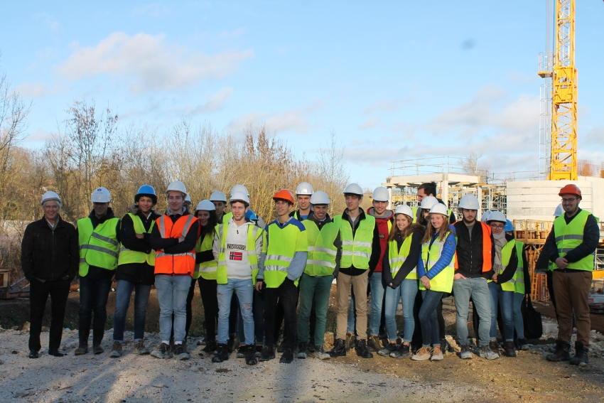Les étudiants « Génie civil » de l'IUT d'Auxerre visitent le chantier du Pôle environnemental communautaire