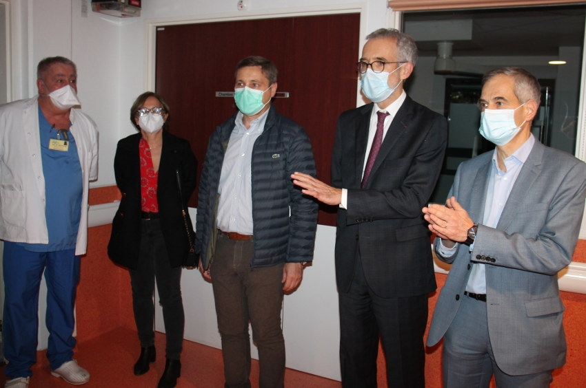 L'unité COVID de l'hôpital d'Auxerre ne désemplit pas : visite au coeur de la guerre menée contre le virus