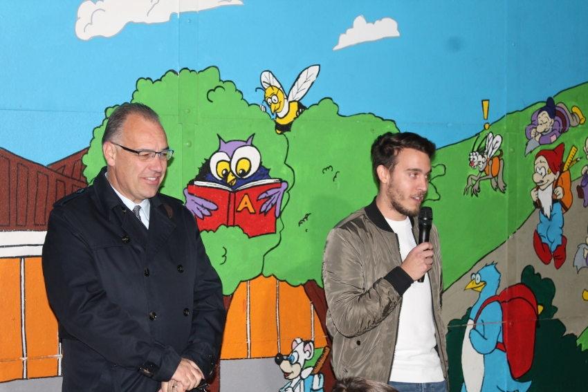 L'imaginaire des enfants s'admire sur une fresque de 60  m2 à l'école primaire de VENOY