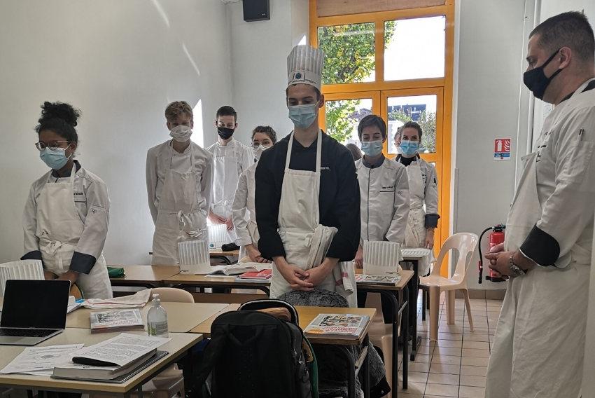 Le temps suspendu au lycée Vauban : une minute de silence pour mieux se recueillir…
