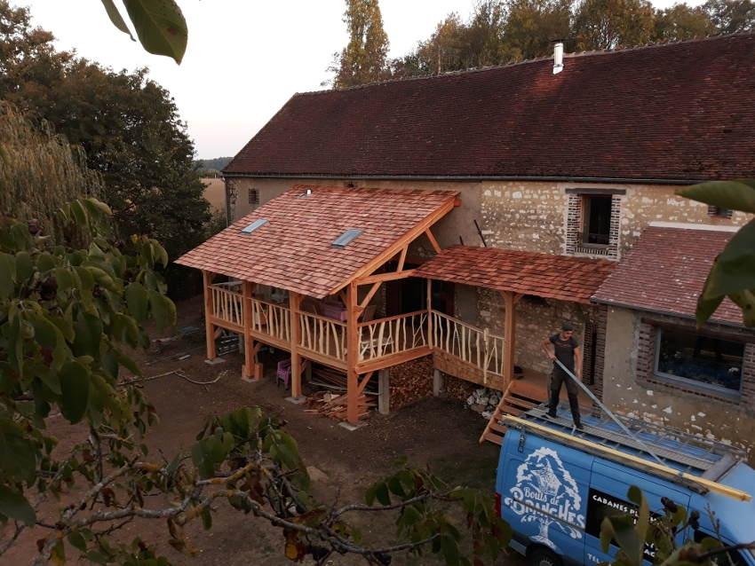 Sur un arbre perché : BOUTS DE BRANCHES fait prendre de la hauteur à ses constructions !