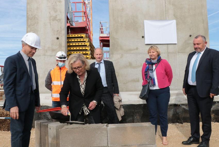 Un projet de 63 millions : le futur du centre hospitalier de Sens se concrétise avec la pose de la première pierre