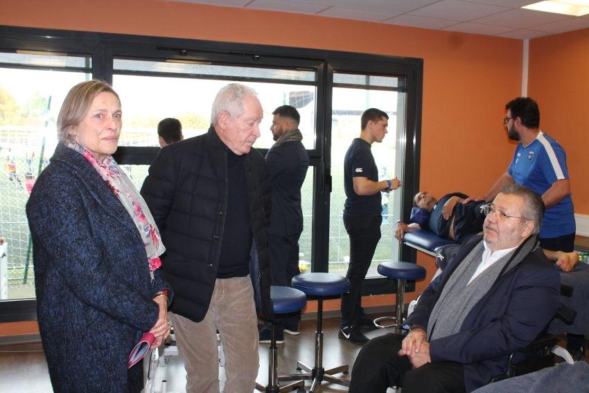 Patrick TOULMET boit du petit lait en visitant le centre de formation de l'AJ Auxerre
