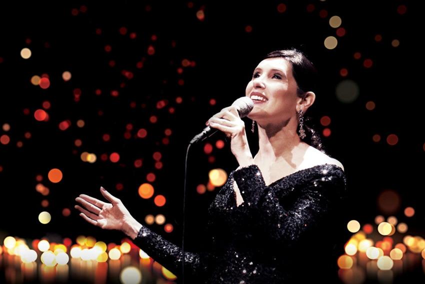 Christelle LOURY entame son voyage idyllique parmi les plus belles chansons françaises ce week-end à GURGY…