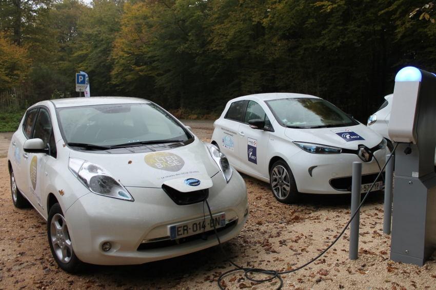 Leur présence est insuffisante dans l'Hexagone : plus de points de recharge pour doper les véhicules électriques ?