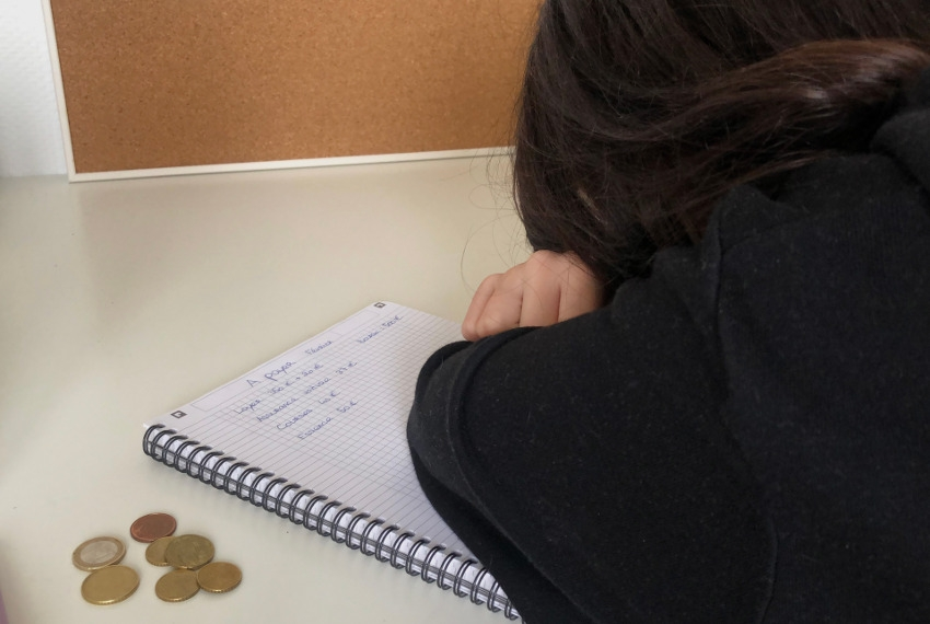 « Je ne sais même pas si je pourrais payer le loyer… » : SOS d'étudiants en détresse qui flirtent avec la précarité