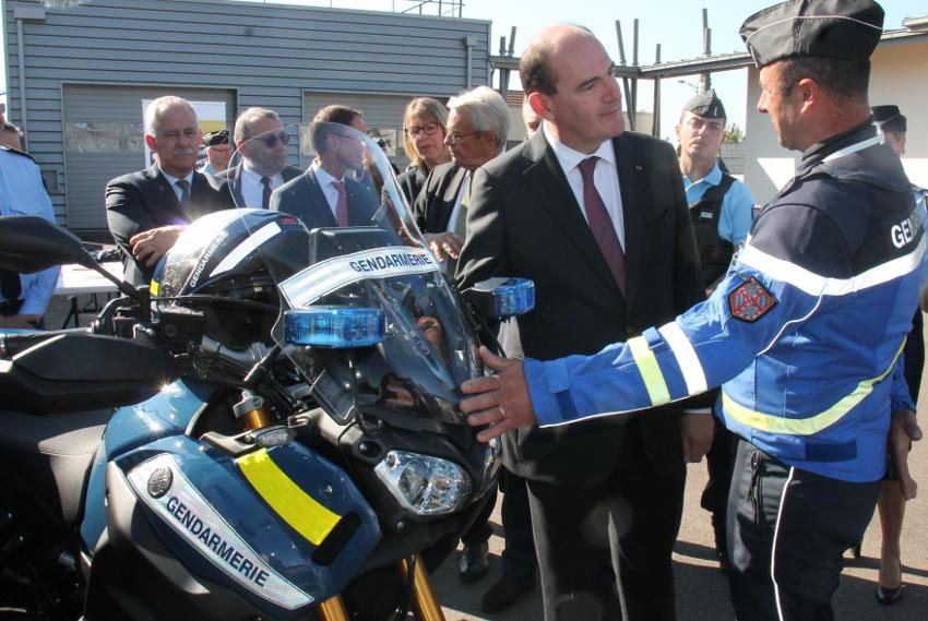 Jean CASTEX priorise l'usage de l'hybride et l'électrique : la Gendarmerie nationale se mettra au vert sur les routes