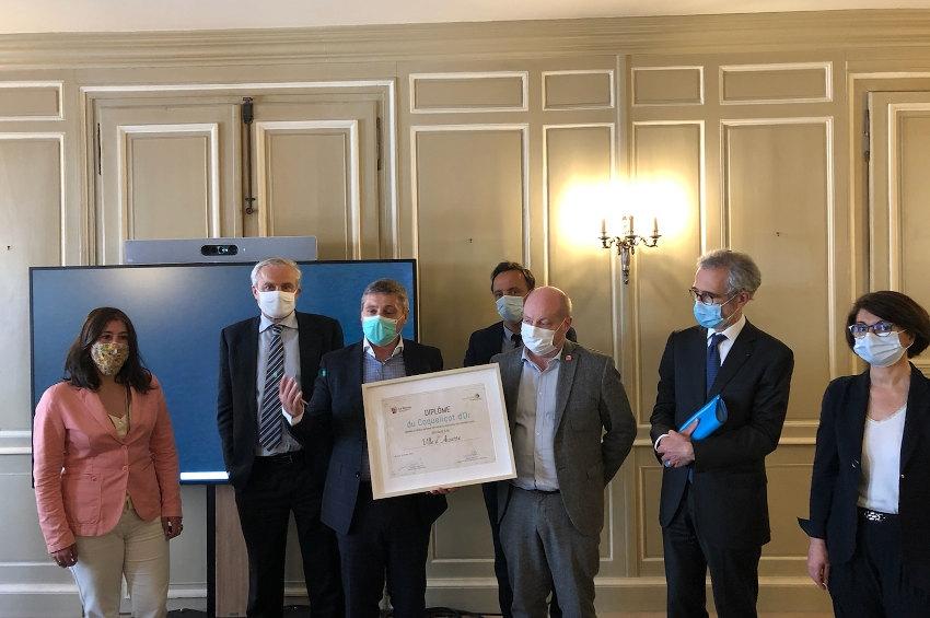 Auxerre reçoit le diplôme du « Coquelicot d'Or » : l'éclosion au renouveau du centre-ville commercial est saluée