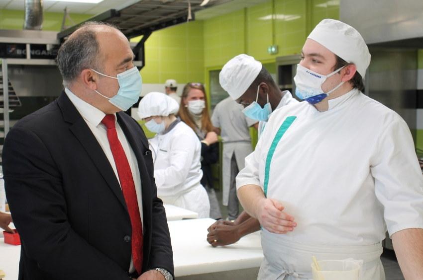 Le CIFA au top de l'excellence ? Du pain béni pour le président de la Confédération nationale de la boulangerie pâtisserie !