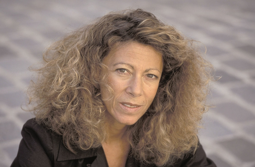 Contre le formatage de la pensée : Barbara CASSIN défend la diversité linguistique en rejetant l'anglicisme absolu…